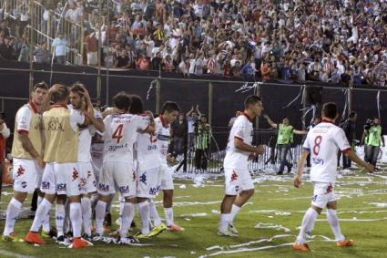 Насионал Асунсион измъкна равенство в края на първия финал за Копа Либертадорес