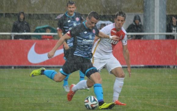 Неделев не спаси Майнц от разгром срещу Монако (видео)
