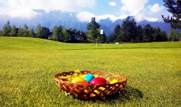 Голф страсти по Великден