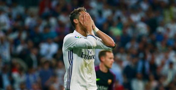 Кристиано побесня след втория гол на Меси (видео)