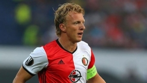 Футболистите в Холандия не искат изкуствени терени