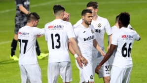 Славия извади половината си титуляри от групата за мача с Черно море