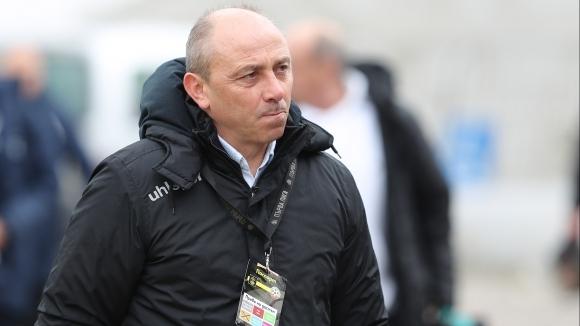Илиан Илиев пак обяви, че Черно море няма да прави...