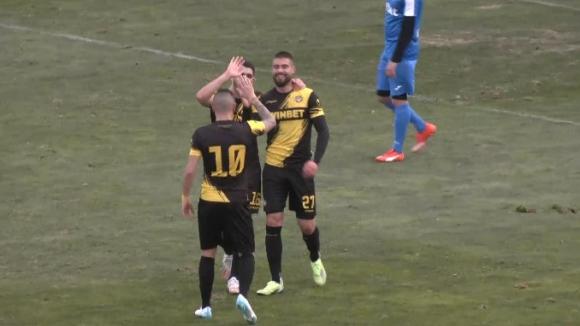 Втори гол за Ботев (Пд) срещу Гигант и отново точен е Василев